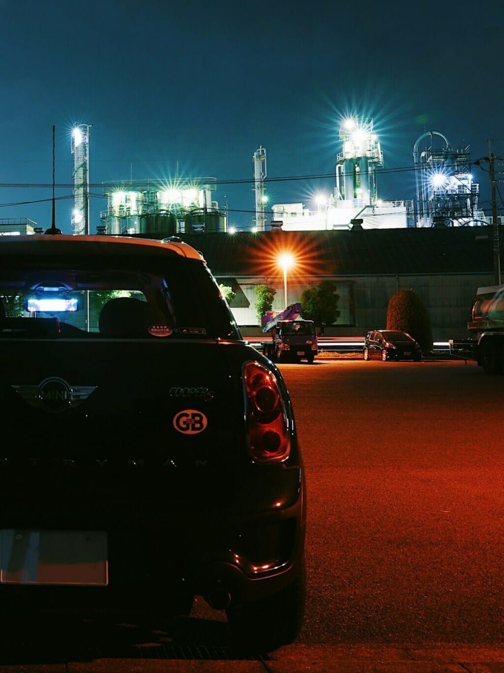 MINIと工場夜景