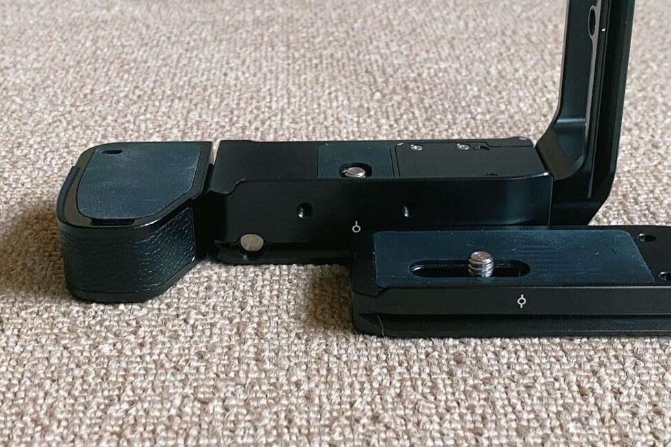 SmallRig SONY α7 III・α7R III・α9用Lブラケット 2940と2122Dの比較