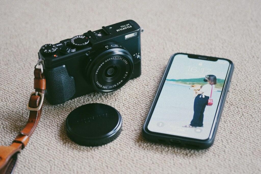FUJIFILM X70 と iPhone 11 Pro